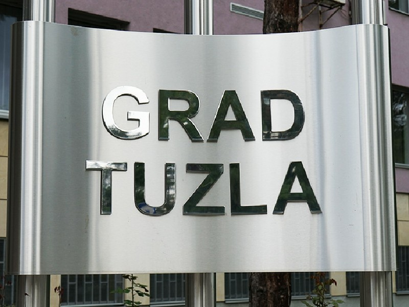 """Grad Tuzla: Javni poziv za raspodjelu finansijskih sredstava sa pozicije """"Grant za neprofitne organizacije – podrška radu udruženjima"""""""